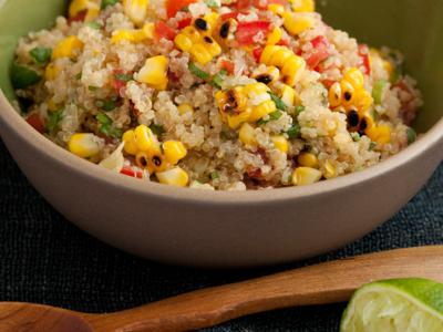 Salade de mais grillé et quinoa épicé au piment chipotle